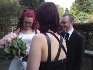 Helen and Rob at their Wedding, plus the flower i managed to catch, which kinda annoyed the girls....oops